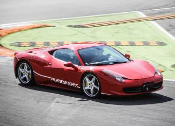 Conduzca un Ferrari 458 Italia en Vairano con Puresport