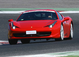 Drive a Ferrari 458 Italia in Vallelunga with Puresport