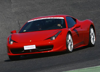 Laps on Ferrari 458 Italia in Vallelunga with Puresport