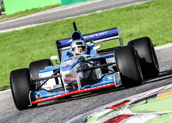 Try a Formula 1 on racetrack with Puresport in Magione