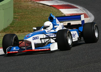 Try a Formula 1 on racetrack with Puresport in Vallelunga