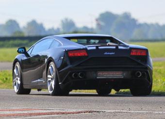 Drive a Lamborghini Gallardo in Vairano with Puresport
