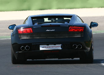 Drive a Lamborghini Gallardo in Vallelunga with Puresport