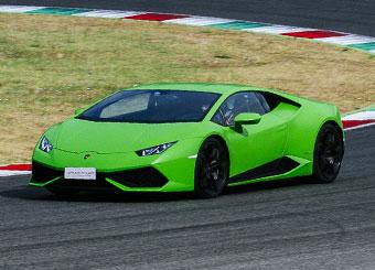 Guida una Lamborghini Huracán a Mugello con Puresport