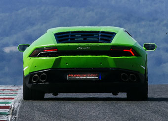 Try a Lamborghini Huracán on racetrack with Puresport in Mugello