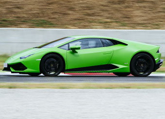 Laps on Lamborghini Huracán in Mugello with Puresport