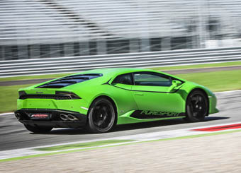 Try a Lamborghini Huracán on racetrack with Puresport in Vallelunga